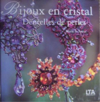Bijoux en cristal. dentelles de perles. les dentelles, symboles de